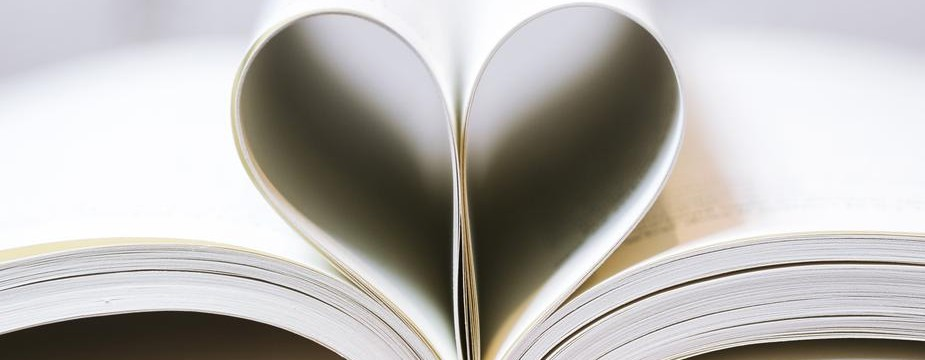 book-pages-as-a-heart_925x